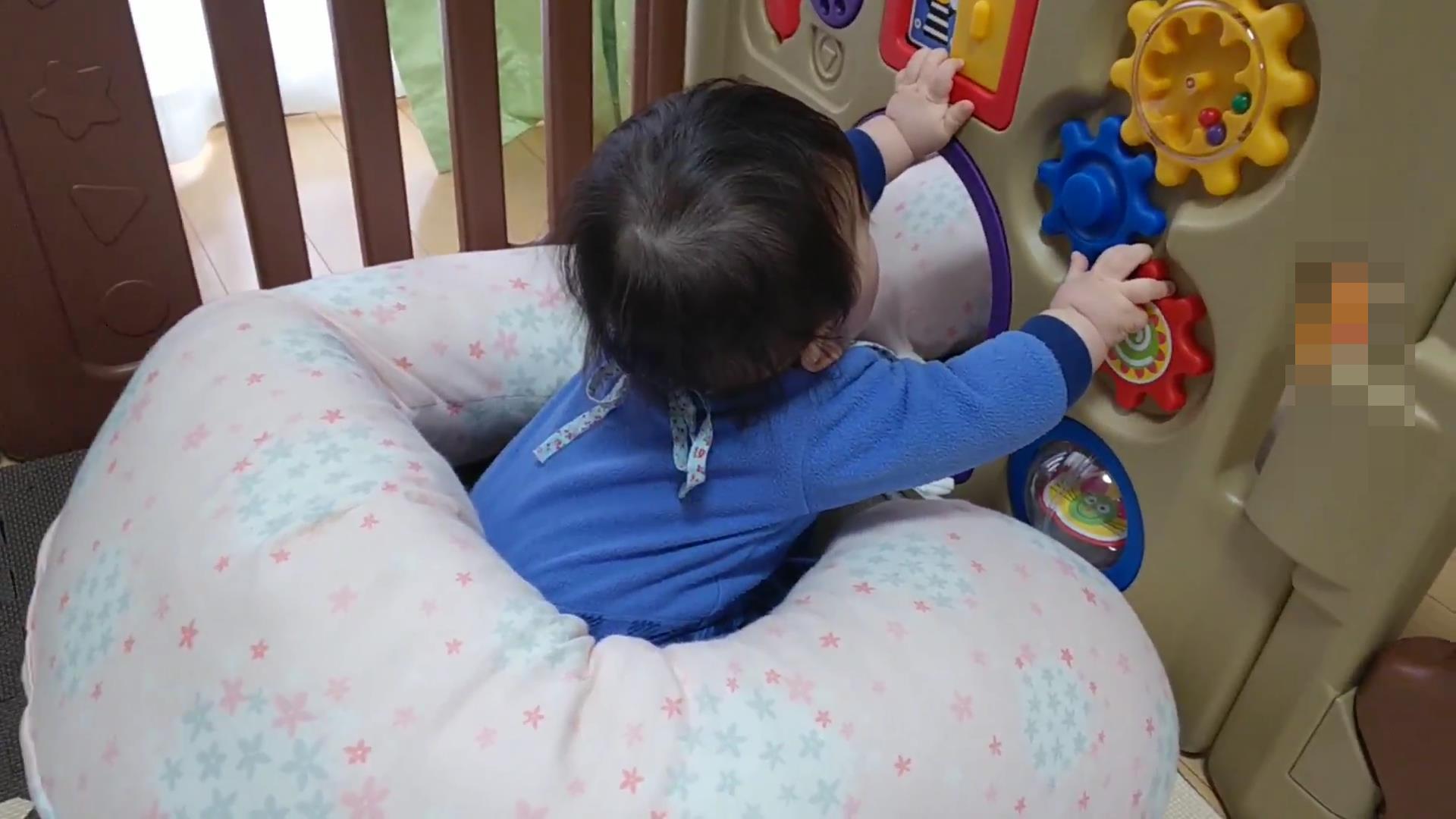 たまひよの授乳クッションをお座りした状態で被せると安全